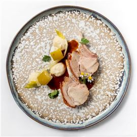 Pork cutlets marinated in beer, chamomile, green apple and celery